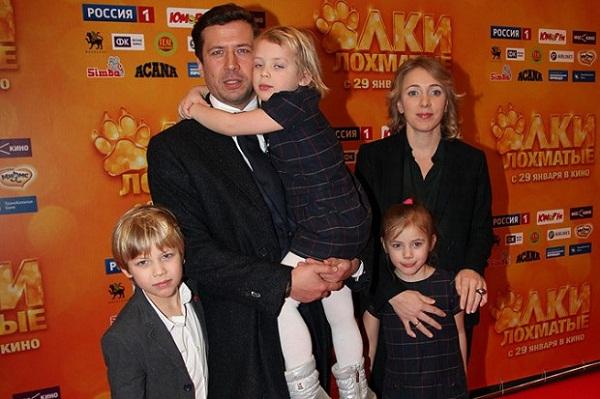 Андрей Мерзликин с семьей женой и детьми фото