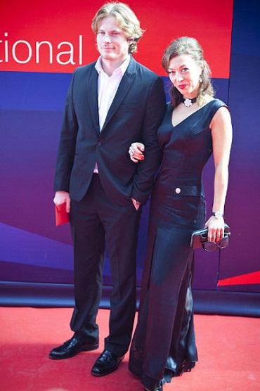 Антон Пампушный с женой фото