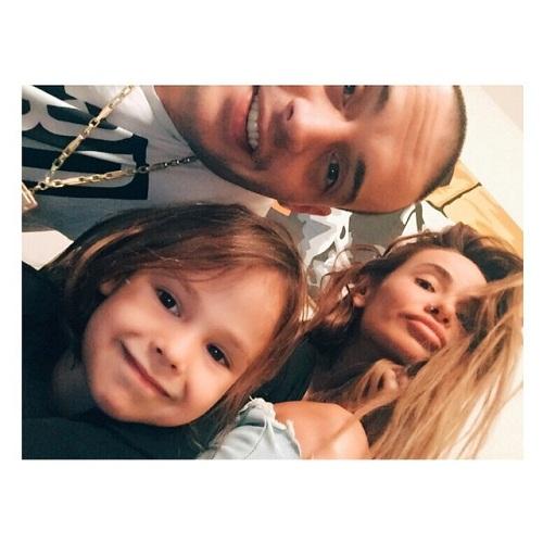 Гуф с женой и сыном фото