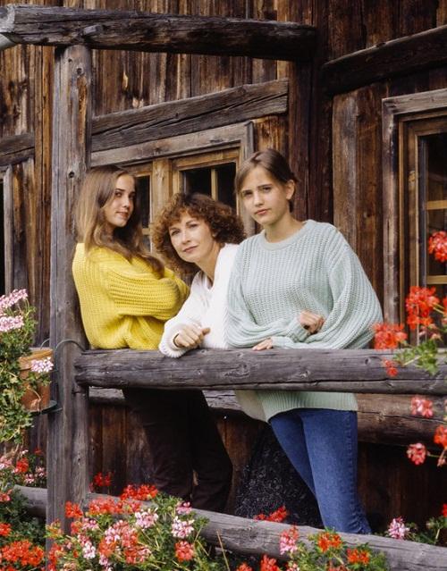 Ева Грин с мамой Марлен и сестрой Джой фото