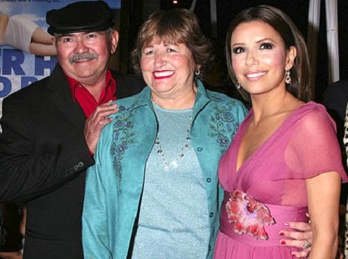 Ева Лонгория с родителями фото