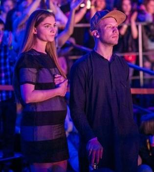 Иван Дорн с женой фото