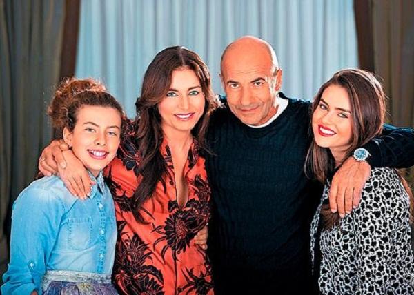 Игорь Крутой с семьей женой и дочерьми фото