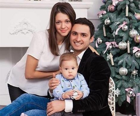 Игорь Ласточкин с семьей женой и сыном фото