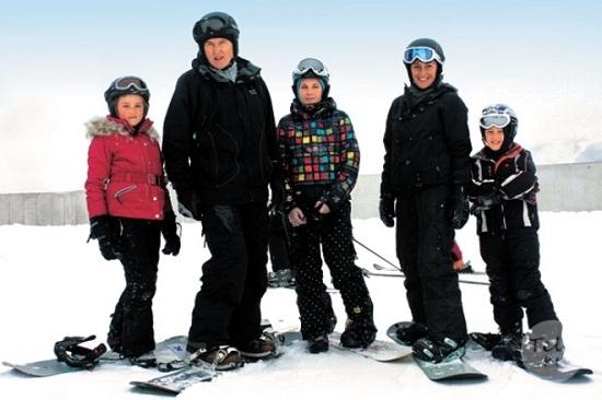 Игорь Матвиенко с семьей женой и детьми фото