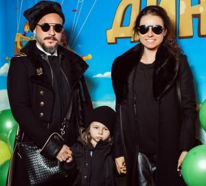 Ирена Понарошку семья муж дети фото