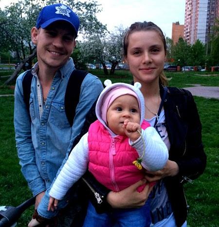 Любовь Баханкова с мужем Никитой Тезиным и дочерью фото