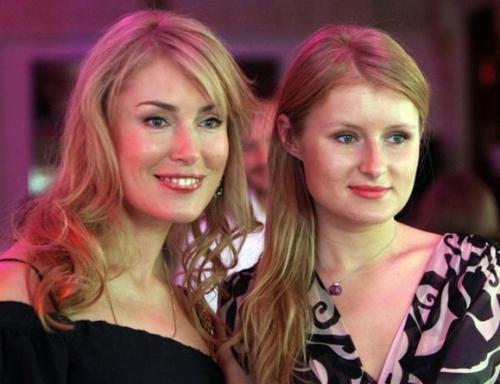 Мария Шукшина со старшей дочерью Анной