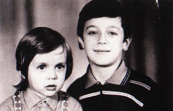 Марк Тишман со старшим братом Михаилом фото