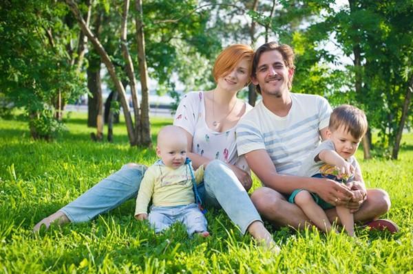 Михаил Башкатов с женой и детьми фото