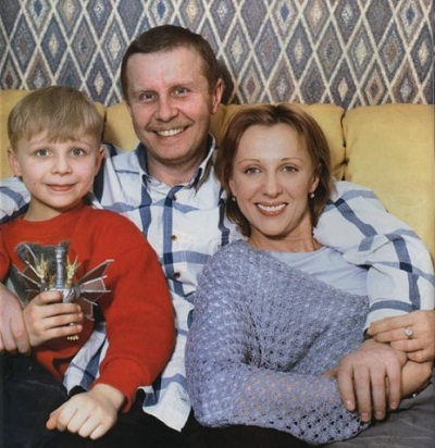 Елена Яковлева с семьей мужем Валерием и сыном Денисом фото