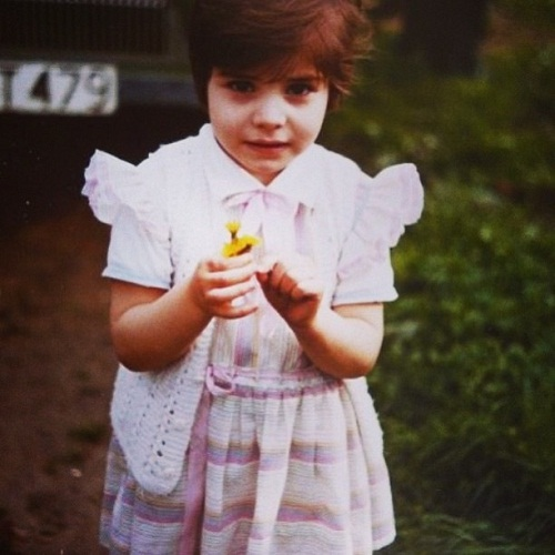 Нур Феттахоглу в детстве фото