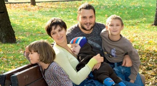 Олеся Железняк с семьей мужем и детьми фото