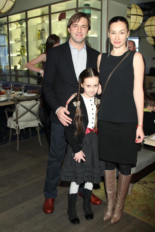 Владимир Вдовиченков с бывшей супругой Ольгой Филипповой и их общей дочерью Вероникой фото