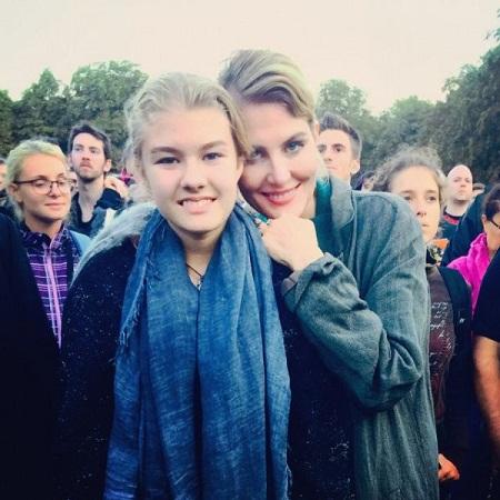 Рената Литвинова с дочерью Ульяной Добровской фото