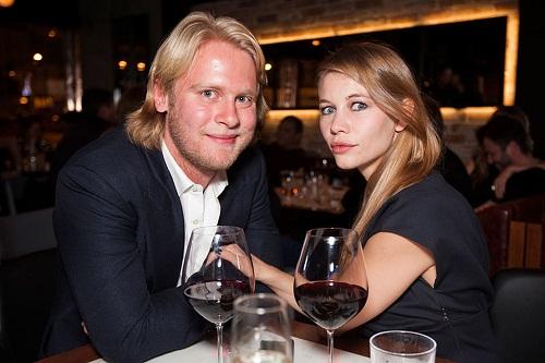 Светлана Устинова и Илья Стюарт на фото