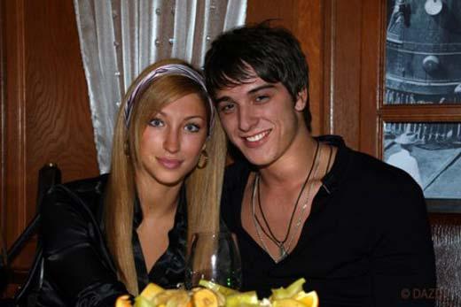 Станислав Бондаренко с женой Юлией Чиклиевой фото