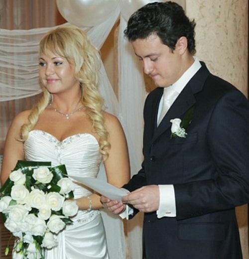 Станислав Ярушин с первой супругой фото