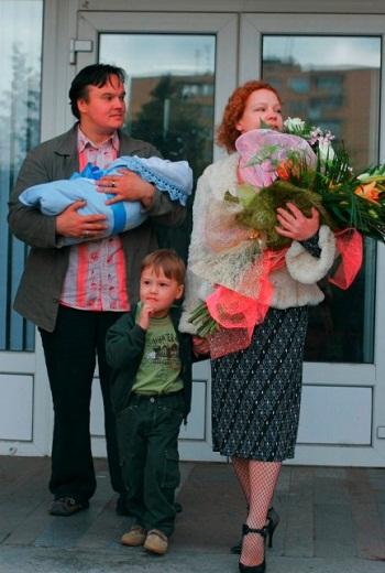 Татьяна Абрамова с первым мужем Сергеем Кулишенко и детьми