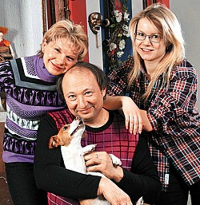 Юрий Гальцев с семьей женой и дочерью фото