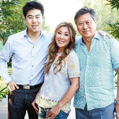 Анита Цой с семьей: мужем и сыном фото