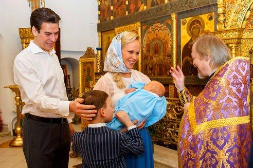 Дмитрий Дюжев с семьей фото