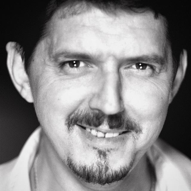 Аркадий Кобяков – яркая звезда родом из 90х