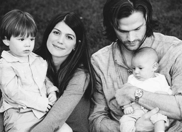 Джаред Падалеки с семьей женой и детьми фото