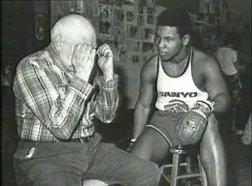 Майк Тайсон с тренером фото