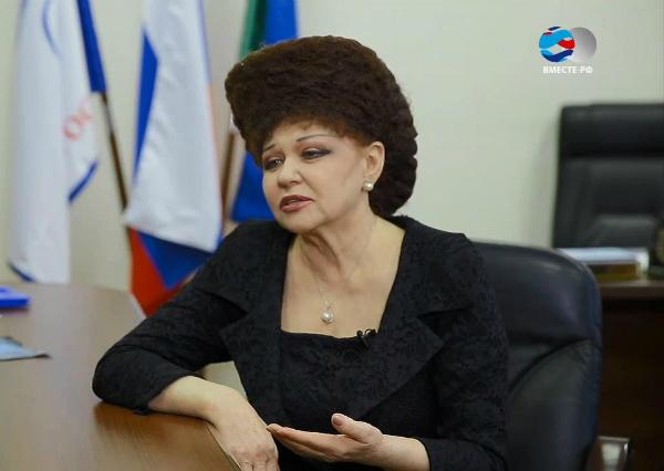 Сенатор Валентина Петренко – российская нефертити