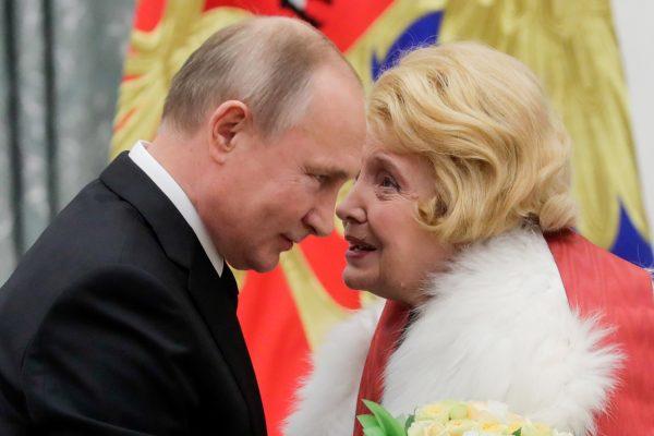 Татьяна Доронина сейчас: фото и решение правительства РФ по МХАТу