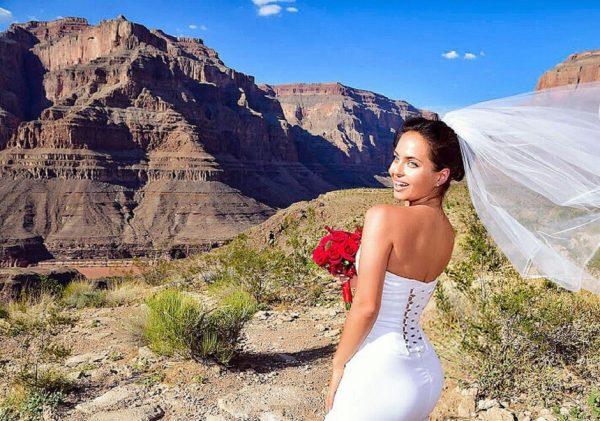 Русская Джоли – Регина Кова: фото девушки до и была ли пластика
