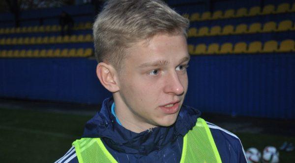 Футболист Александр Зинченко: биография,  зарплата