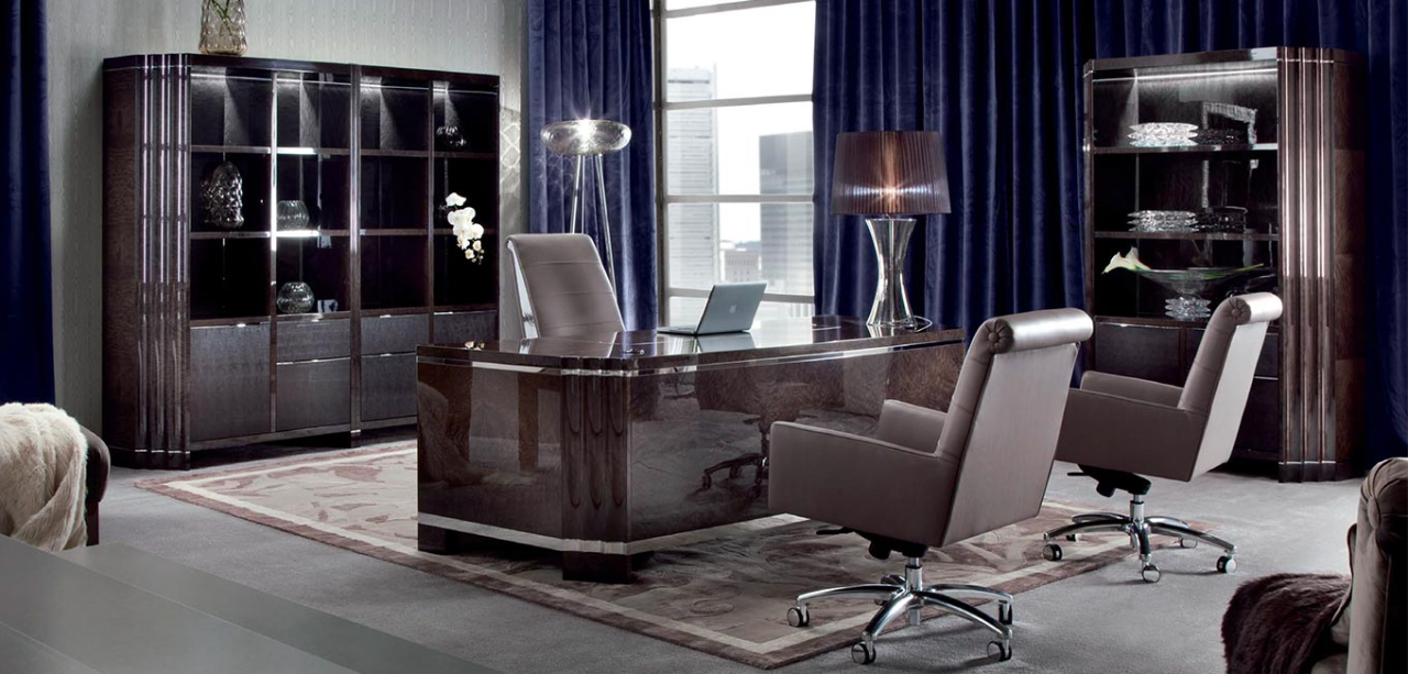 Качественная мебель из Италии в кабинет для руководителя