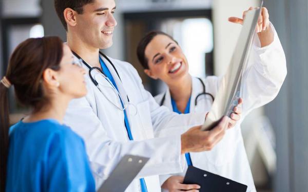 День медика в 2018 году: какого числа
