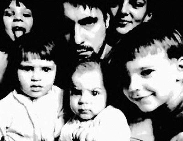 Актёр Евгений Цыганов с детьми фото