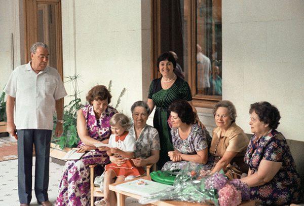 Леонид Брежнев: биография, личная жизнь