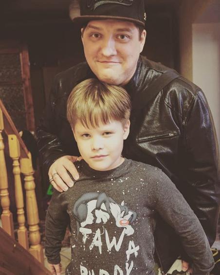 Роман Попов сильно похудел: с кем живет и как выглядит комик теперь