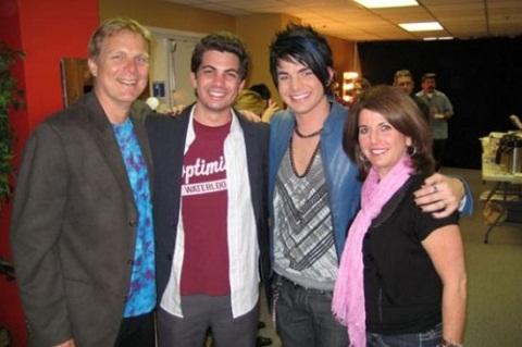 Адам Ламберт с родителями фото