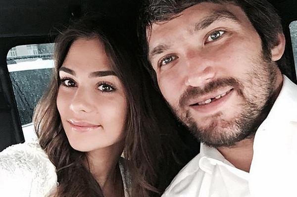 Александр Овечкин с женой фото