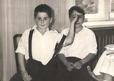 Александр Цекало в детстве с братом фото
