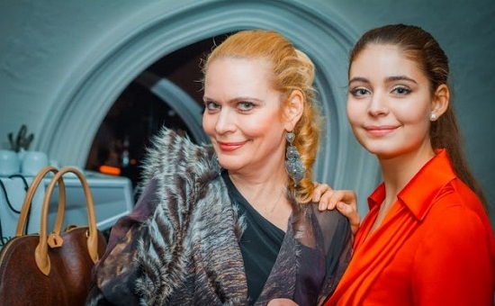 Алена Яковлева дочь фото