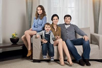 Анна Ковальчук с семьей: мужем Олегом и детьми фото