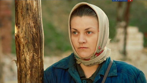 Кадр из фильма Петрович (2012) с участием Анны Уколовой фото