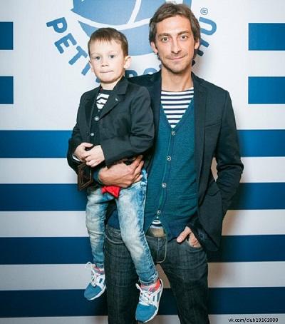 Артем Ткаченко с сыном фото