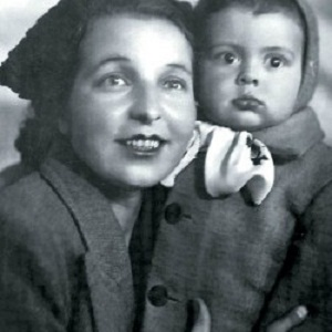 Вячеслав Добрынин в детстве с мамой фото