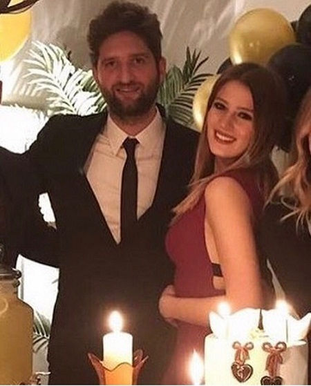Гизем Караджа с будущим мужем Кемалем Екмекчи фото