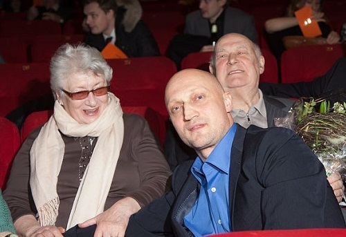 Гоша Куценко с родителями фото