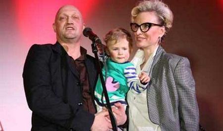 Гоша Куценко с семьей женой и дочерью фото