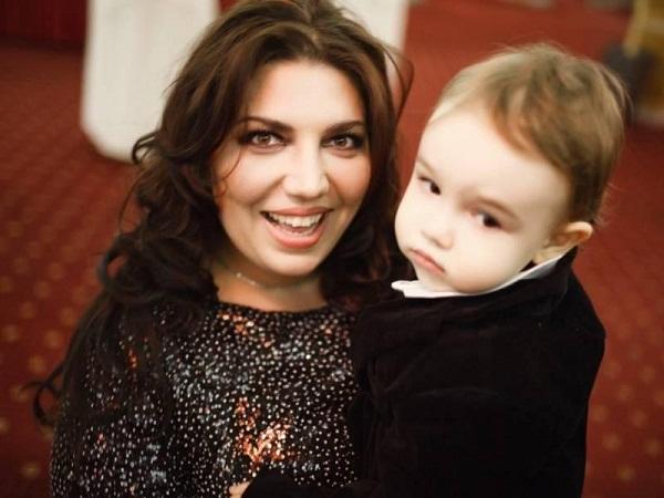 Екатерина Скулкина с сыном фото